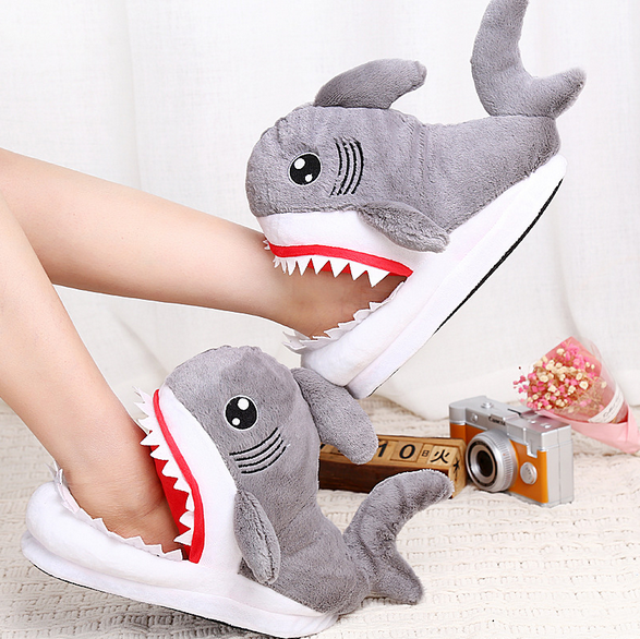Тапочки-игрушки серые Акулы