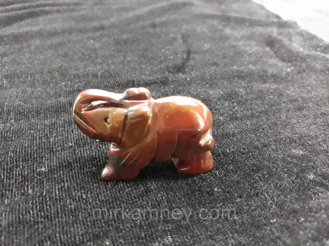Фигурка слон резьба по камню