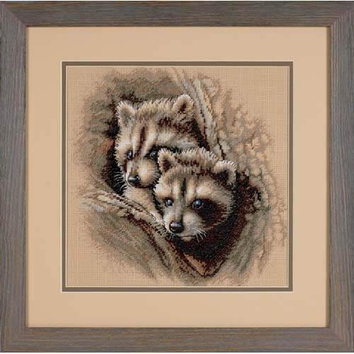 Набор для вышивки крестом Dimensions 35253 «Два малыша-енота»