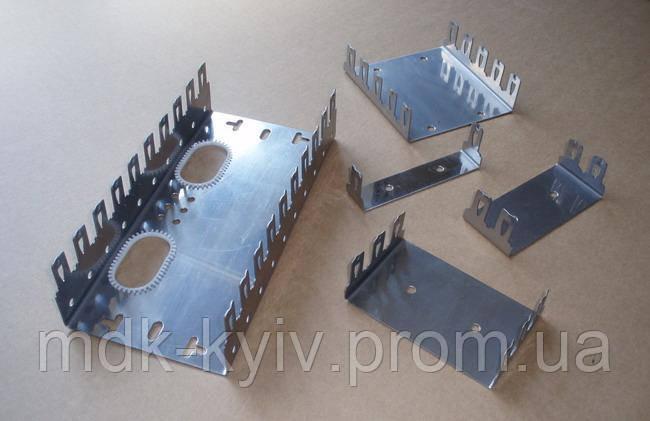 1-местный монтажный хомут/скоба для 10-парных плинтов типа QDF-E