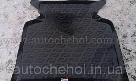 Качественный черный резиновый ковер в багажник Toyota Avensis