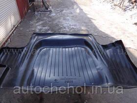 Качественный черный резиновый ковер в багажник ВОЛГА 31029