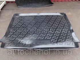 Черный качественный коврик в багажник Peugeot Partner