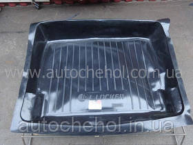 Черный качественный коврик в багажник ВАЗ 2105 / 2107