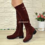 Ботфорты женские замшевые зимние на невысоком декорированном каблуке, фото 2