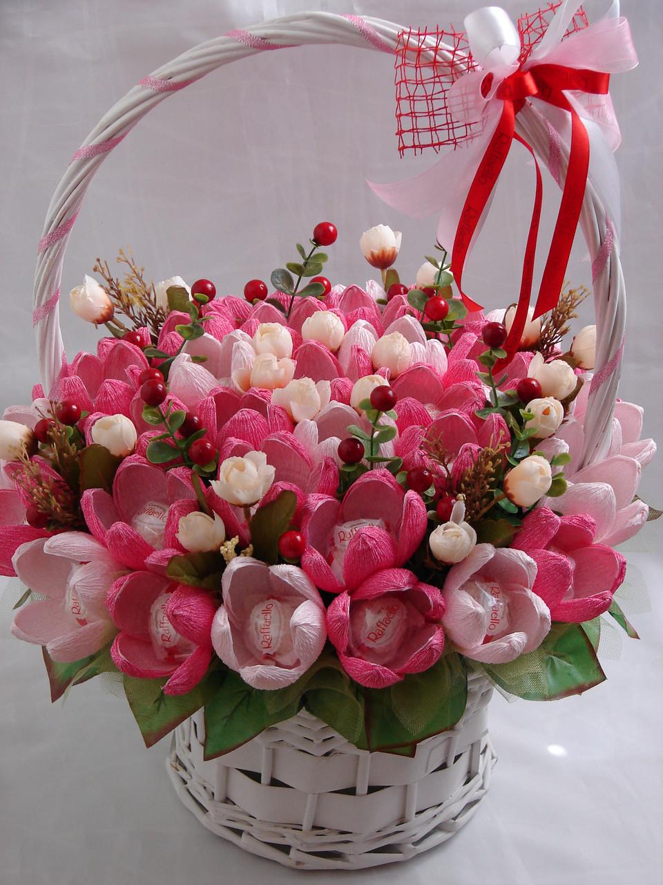 "Белая корзина цветов из конфет""симфония""№35, фото 1"