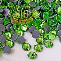 Стразы горячей фиксации Xirius Crystals, цвет Peridot, ss20 (4.6-4.8mm), 100шт