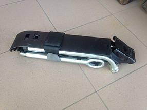 Оригинальный домкрат, ключ и крюк Volkswagen Transporter T-5