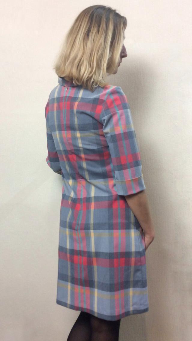 Женское платье в клетку с хомутом, трапеция П190