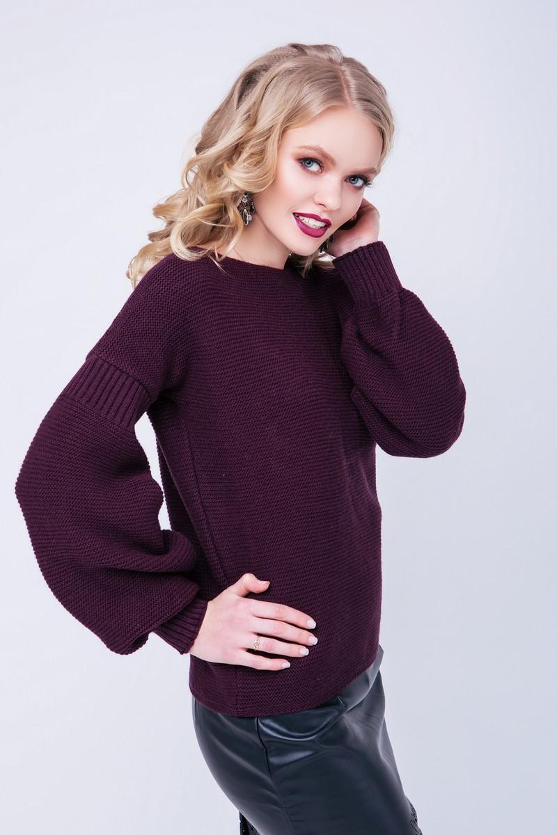 Женский вязаный свитер с объемным рукавом