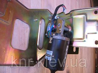 Моторчик стеклоочистителя с кронштейном (12V) FAW-1031,1041 (Фав)