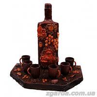 Бутылка деревянная с подставкой и стаканчиками