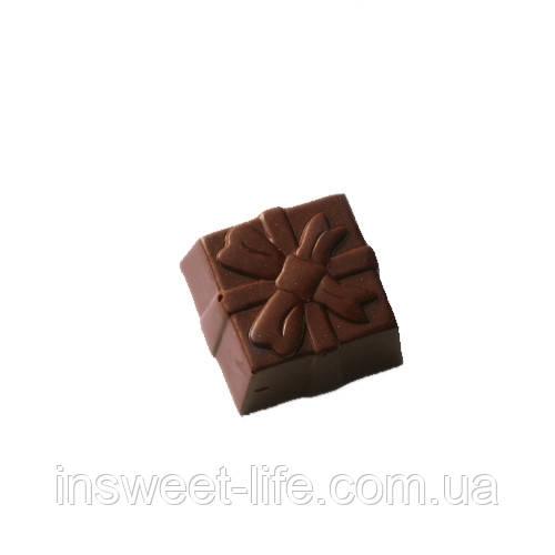 """Поликарбонатная форма для конфет """"Подарочная коробка"""""""
