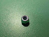 Гайка с полимерной вставкой М4 DIN 985