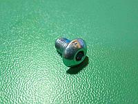Винт ( болт ) DIN 7380 M5 8 мм с внутренним шестигранником