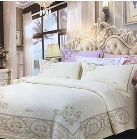 Комплект постельного белья  Brioni с вышивкой.