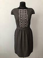 Деловое шерстяное платье размер С