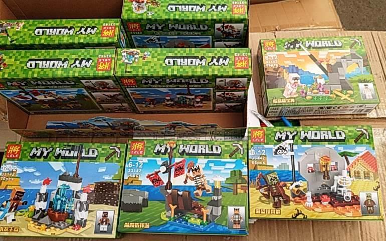 Конструктор Lele 33142 Minecraft Майнкрафт Четыре вида