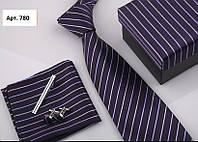 Подарочный фиолетовый набор: галстук, запонки, платок, зажим