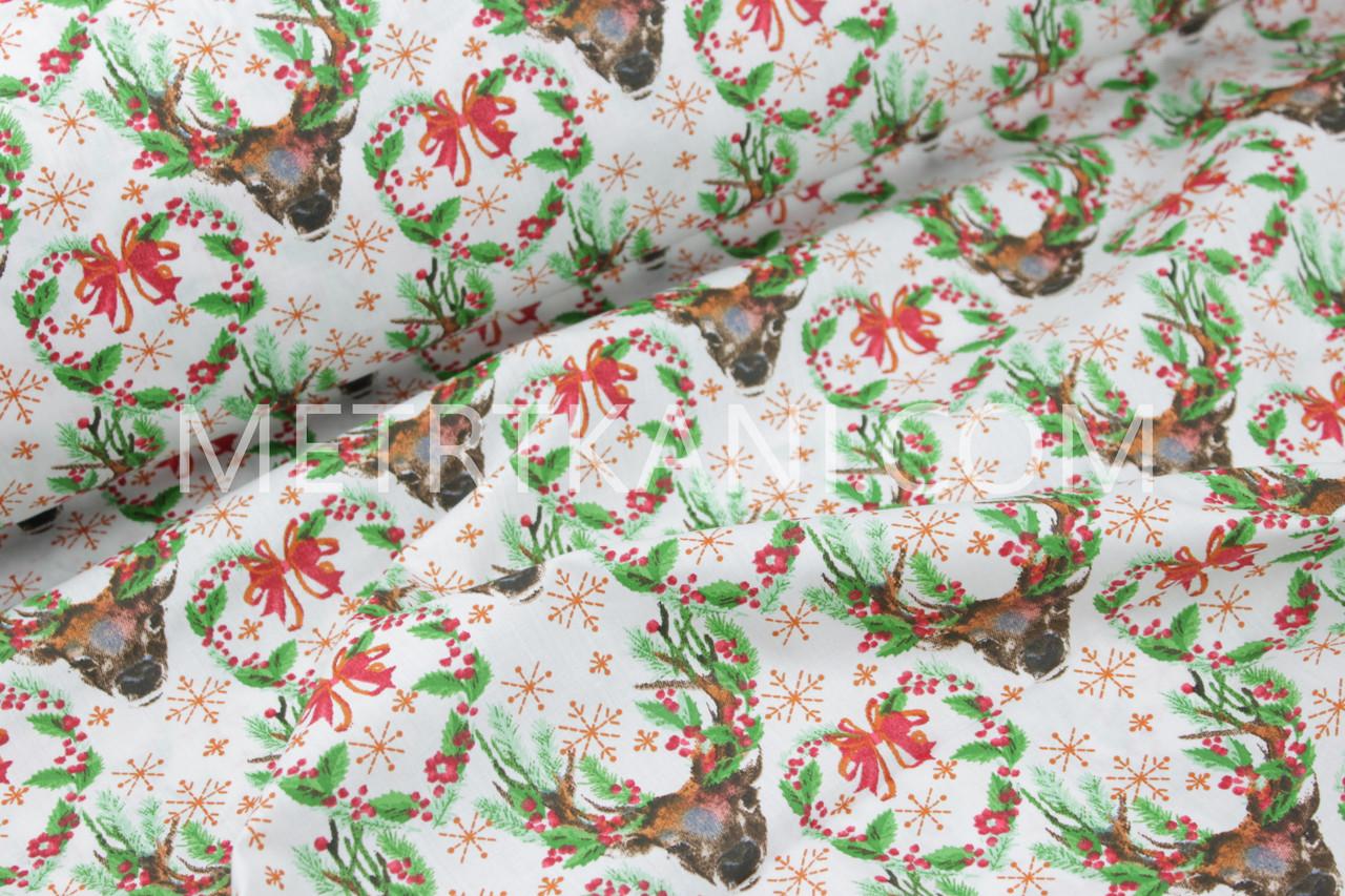 """Новогодняя ткань """"Рождественские венки с оленями """" с зелеными веточками № 1247"""