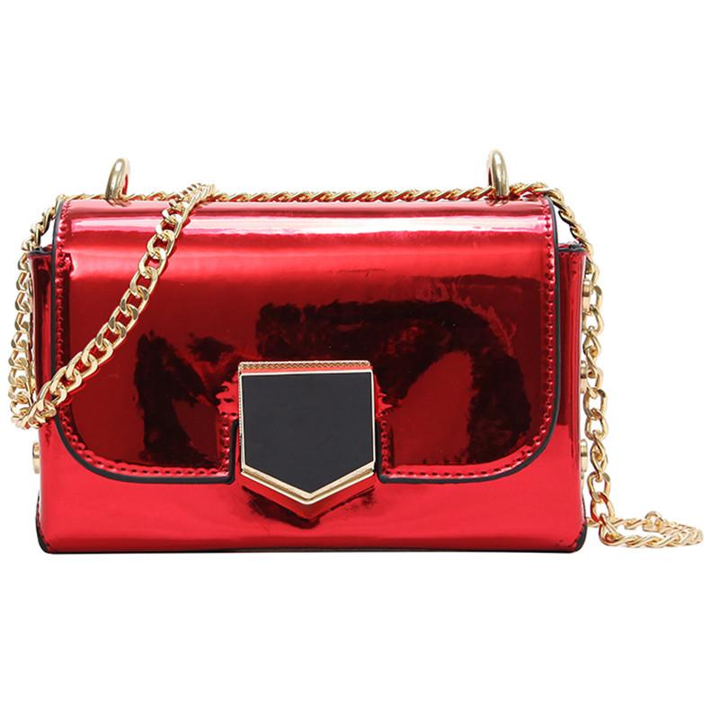 Красная лаковая сумка через плечо