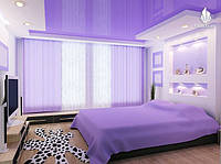 Глянцевые потолки в спальне