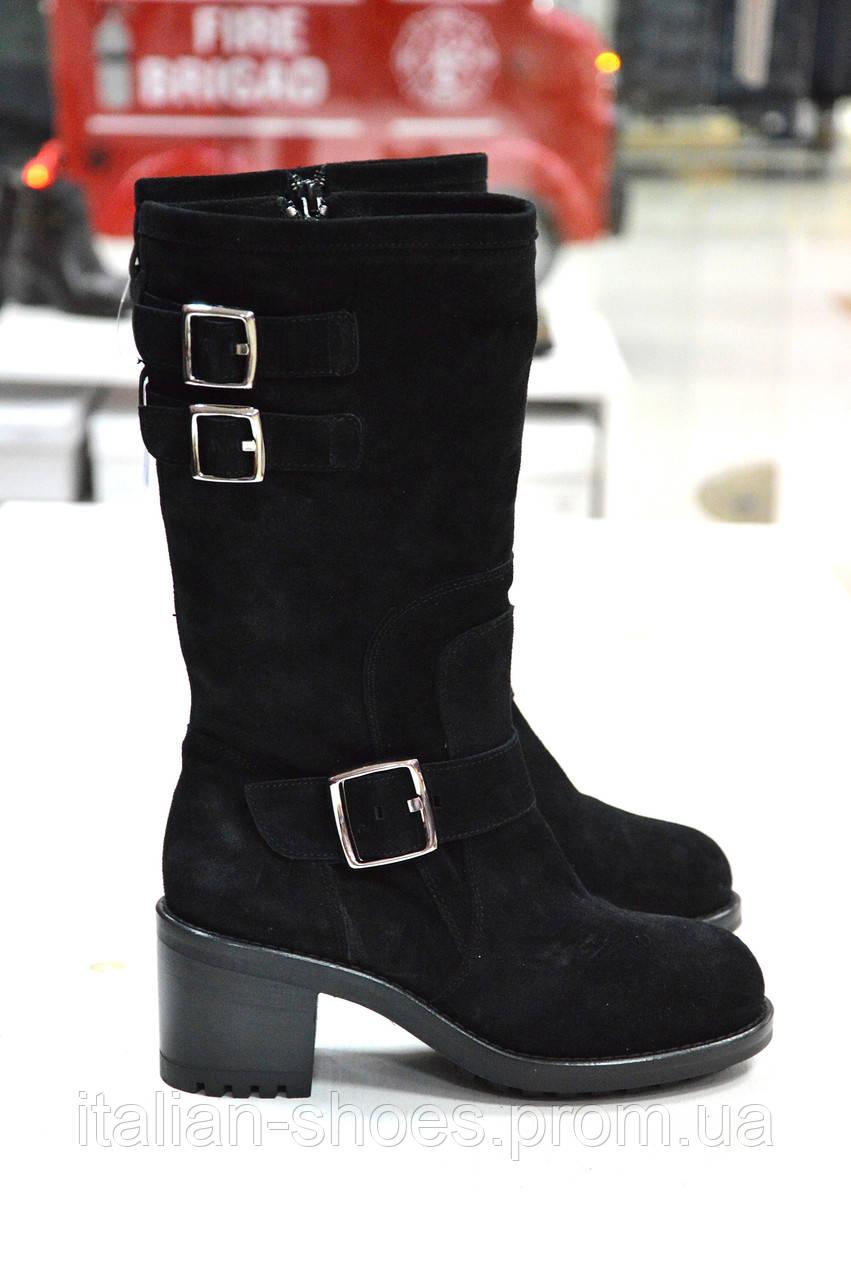 Зимние замшевые черные сапоги Imma -769