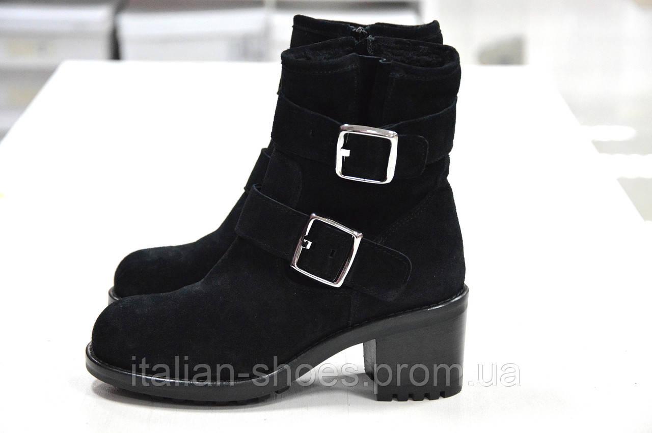 Зимние замшевые черные ботинки Imma -768