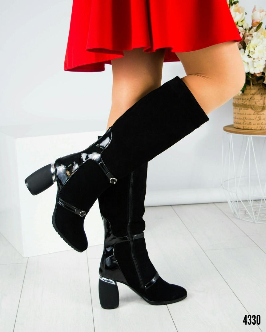 Демісезонні чорні замшеві чоботи на круглому підборах