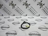 Тросик открытия капота Nissan Navara D40 (65621 EB300), фото 1