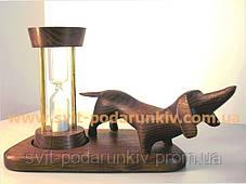 Статуэтка собаки Такса с песочными часами в подарок, фото 3