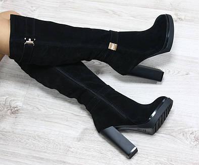 Зимние натуральные замшевые сапоги с молнией по всей длине на удобном каблуке