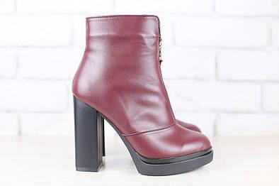 Демисезонные ботинки, бордовые, кожаные на толстом устойчивом каблуке, на байке, с замочком