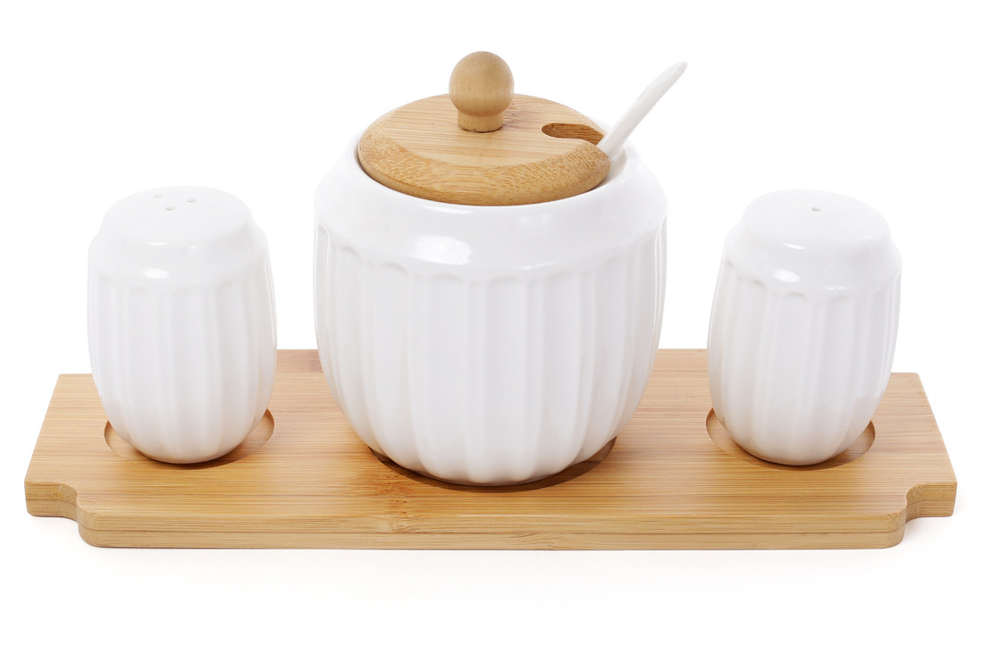 Набор для специй Naturel: солонка, перечница и сахарница 350мл с ложкой Объемные полоски на бамбуковой подставке BonaDi 289-284