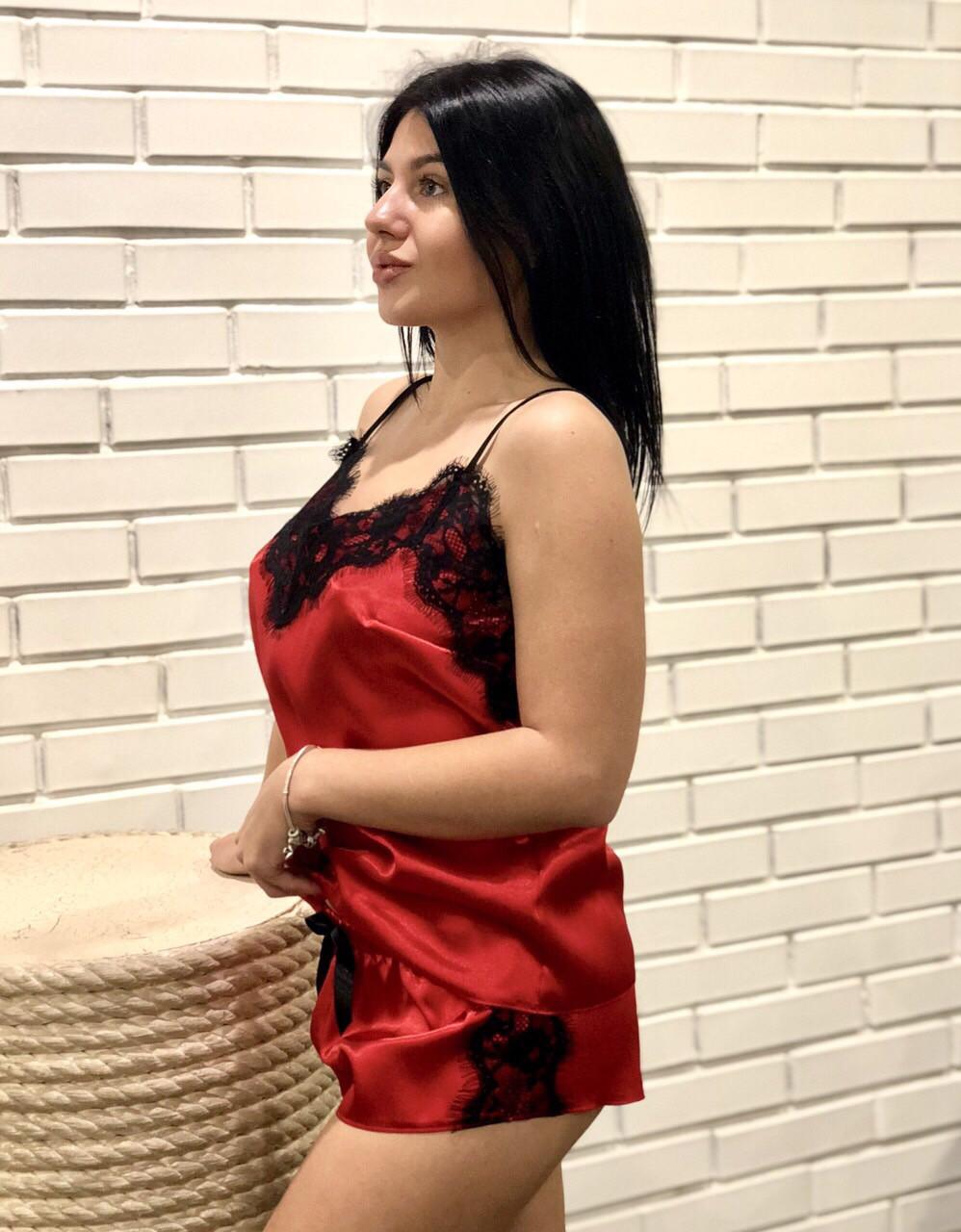 Красная пижама с черным кружевом