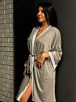 Бавовняний халат з білим мереживом