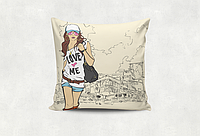 Подушка декоративная с принтом Love me