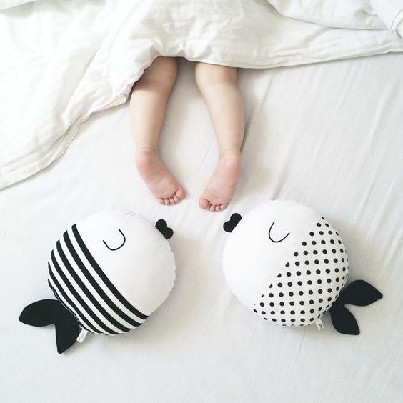 """Детская подушка игрушка """"Рыбки"""" (30*30см)"""