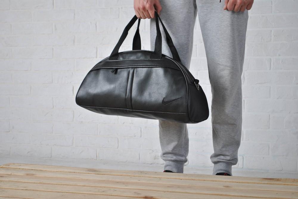 8307d8fa Спортивная сумка NIKE с плечевым ремнём и вышитым черным лого НАЙК,  эко-кожа!