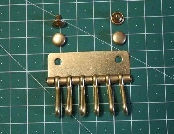 Ключница на 6 карабинов ( Латунь )( инструменты для кожи), фото 2