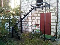 Лестница на центральной несущей тетиве (монокосоур), фото 1