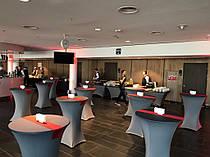 Стрейч чехлы с плотным верхом цвета Графит из премиум стрейч ткани.  На стол раскладывающийся диаметром 80см высота 110см. Комбинированный цвет с переливом. Красная тематическая дорожка для создания лоска.
