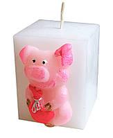 Свеча новогодняя куб с поросёнком, 160 грамм
