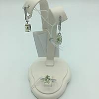 Комплект серебряных изделий серьги, кольцо  с  белым   фианитом
