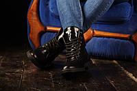 Кожаные фирменные осенне-зимне-весенние женские ботинки цвет черный на шнурке