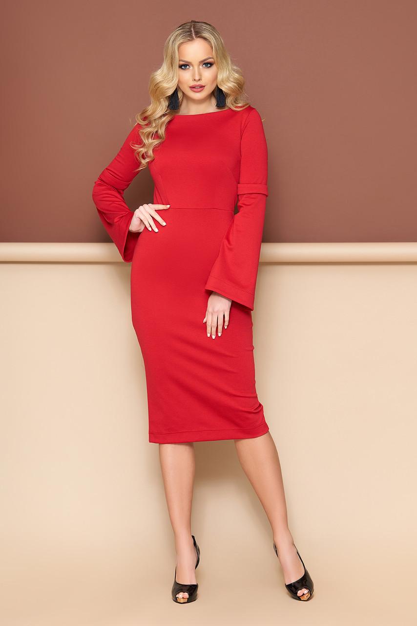 Красивое трикотажное платье футляр красного цвета
