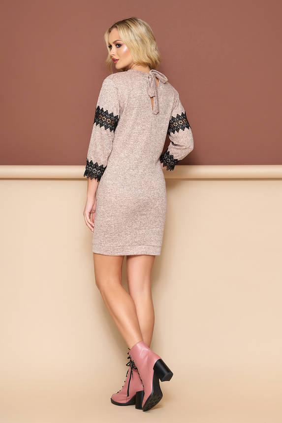 Трикотажное платье с кружевом бежевое, фото 2