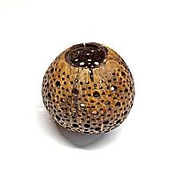 Скорлупа кокоса  с декоративными отверстиями