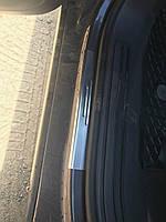 Volkswagen Touareg 2002-2010 гг. Накладки на пороги без надписи (4 шт, нерж.)