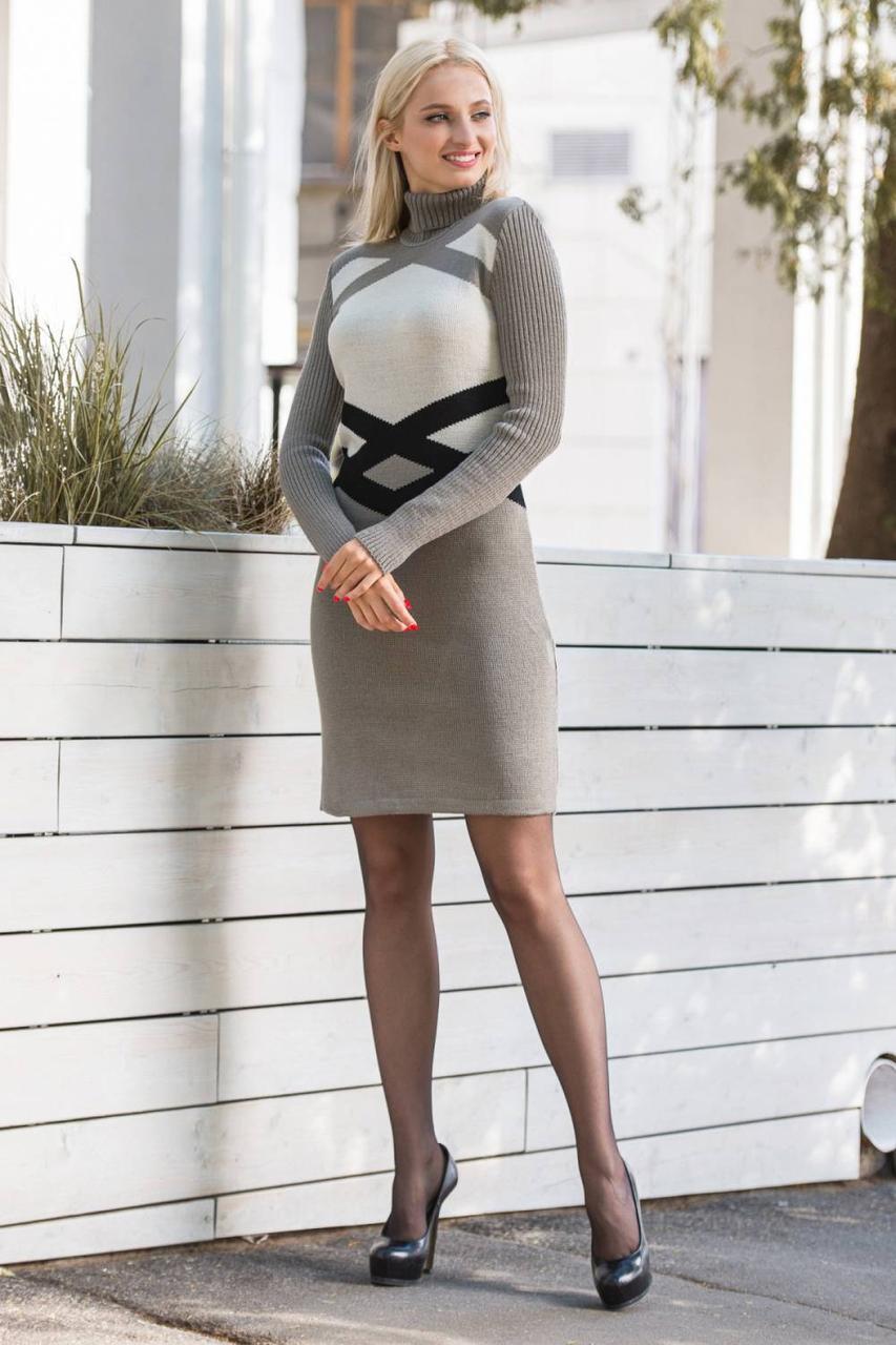 Теплое вязаное платье с  рисунком по талии.Разные цвета
